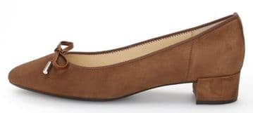 Gabor Private-Whisky Suede- Low Heeled Court Shoe