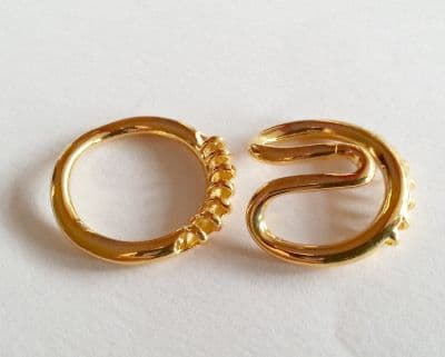 1 x Gold Plated 7 strand clasp 18mm approx.