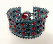 Herringbone Crystal/Pearl Bracelet with SWAROVSKI, Beading Kit Blue and Red