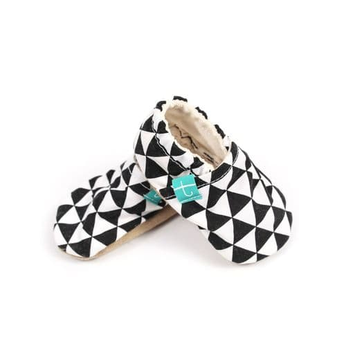 Titot SLIPPERS BLACK TRIANGLES