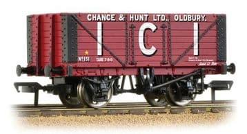 37-115 7 Plank Fixed End Wagon 'I.C.I. Chance & Hunt Ltd'