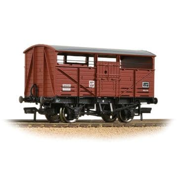 37-712D 8T Cattle Wagon BR Bauxite (Late) Pre Order £20.35
