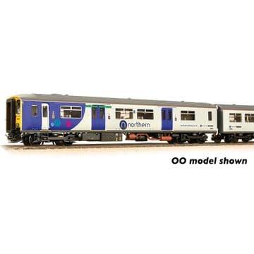 371-335 Class 150/2 2-Car DMU 150275 Northern Pre Order £178.50
