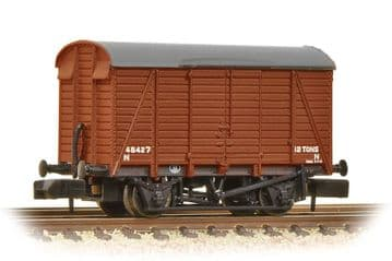 377-429 12 Ton Southern Planked Ventilated Van BR Bauxite ##Out Of Stock##
