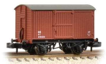 377-975A 12 Ton Eastern Ventilated Van Planked Ends LNER Oxide ##Out Of Stock##