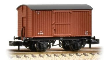 377-976A 12 Ton Eastern Ventilated Van Planked Ends BR Early ##Out Of Stock##