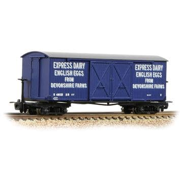 393-029 Bogie Covered Goods Wagon 'Express Dairy Company' Blue