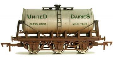 4F-031-028 6Whl Milk Tank United Dairies SR Weathered