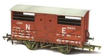 76CAT003W Cattle Wagon Lime Washed LNER 196152 ##Out Of Stock##