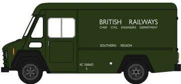 76CWT001 Commer Walk Thru British Railways (Green) ##Out Of Stock##