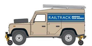 76ROR001 Rail/Road Defender Railtrack £5.99