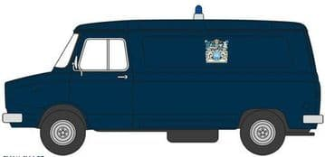 76SHP003 Sherpa Van Metropolitan Police