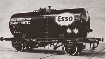 76TKB002 Class B Tank Esso Unbranded Black Revised Suspension 47792 Pre Order £19.50
