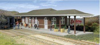 933-2932 Whitehall Station