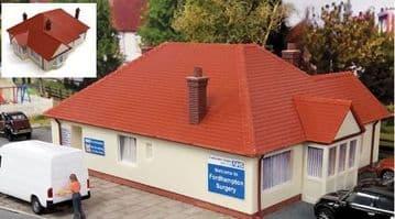 GM410 Fordhampton Rest Home/Doctor's Surgery Plastic Kit £13.50