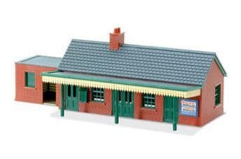 LK12 Country Station Building, brick type