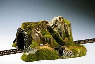N02200  Straight Single Track Tunnel with Stream##Out of Stock##