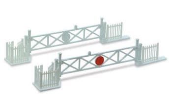NB50 Level Crossing Gates (4) with Wicket Gates and Fencing