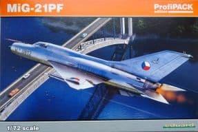 EDK70143 1/72 Mikoyan MiG-21PF interceptor ProfiPack