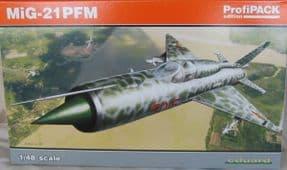 EDK8237 1/48 Mikoyan MiG-21PFM ProfiPACK