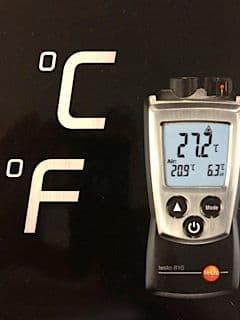 Ground temperature and humidity gauge