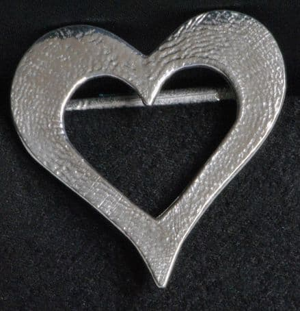 """Ladycrow Pewter Scarf Ring """"Dainty Heart"""""""
