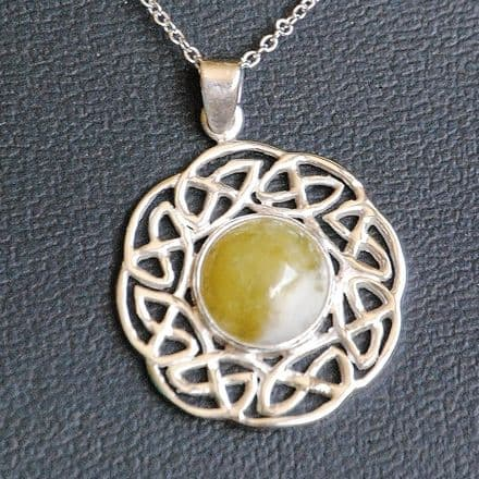 Scottish Green Marble Celtic Sun  Necklace HP9